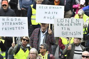 Bensinupproret fick människor att demonstrera. Bild: Claudio Bresciani/TT