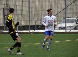 IFK Timrås lagkapten för dagen Johan Ödmark lämnade planen skadad.