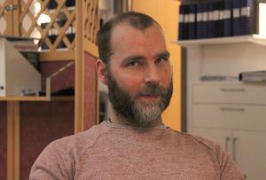 Produktionschefen Mathias Eljas ser fram emot en utökad automatisering av produktionen i Björbo.