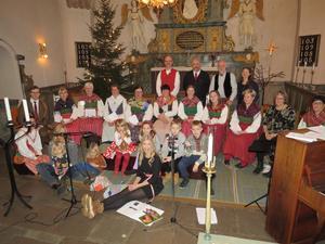 Bybor i alla åldrar gjorde Bengtshedens gudstjänst. Foto: Läsarbild