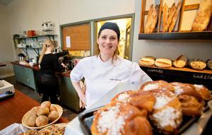 Annika Sjökvist, ägare av Épi bageri & café, har bestämt att butiken, efter den senaste tidens butiksrån, ska vara kontantfri.