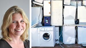 Lina Bergström, vd Återvinningsindustrierna, skriver om vikten av att skapa ett samhälle där så mycket som möjligt av avfallet återvinns och går tillbaka till produktionen. På bilden är det kasserade vitvaror och väntar på att tas om hand.