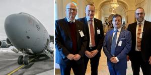 Boeing C-17 på Frösön under  söndagen. De fyra från Östersunds kommunledning: från vänster kommunalrådet Bosse Svensson (C), oppositionsrådet Niklas Daoson (S), kommunalrådet Pär Jönsson (M) och  kommundirektören Anders Wennerberg.