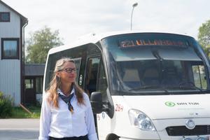 Hieke Visser har kört bussen hela sommaren. Hon gillar sitt jobb men hade gärna sett fler resenärer.