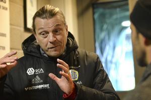 Tony Gustavsson öppnar för att spela med två olika spelsystem mot IFK Norrköping.