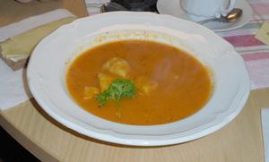 Dagens överraskning, fisksoppa med tillbehör. Foto: Inger Gidlöf