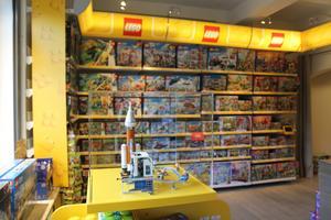 Byggdags ska ha hela Legos sortiment i sin webbshop. Även sådana saker som kan vara svåra att få tag på i vanliga affärer.