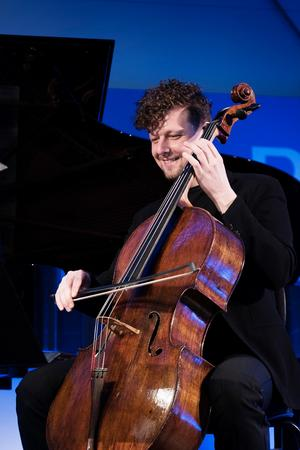 Cellisten István Várdai är en följsam bassocontinuo-spelare. Foto: Nikolaj Lund