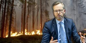 Inrikesminister Mikael Damberg (S) tog emot skogsbrandsutredningen under onsdagen.