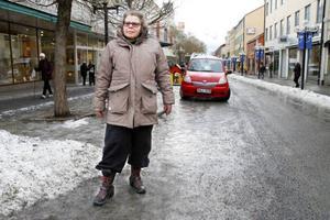 Barbro Nordström, FrösönUnderlaget är hemskt. Jag är tvungen att ha broddar för det kan ju gå på bara ett ögonblick att bryta foten.