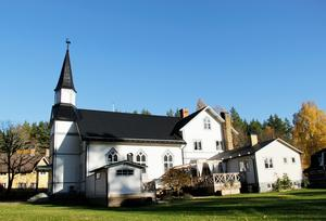 Lövåsens kyrka blev klar 1905 då församlingen hade 90 medlemmar. 2009 hölls den sista gudstjänsten i missionskyrkan som numera är bostad åt familjen Tuori.