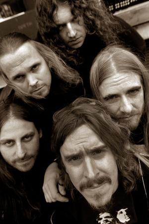 """Med nya albumet """"Heritage"""" i bagaget ger sig Opeth ut på turné. Efter USA Europa och Australien får besök. Till Sverige når de i december."""