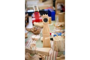 Detaljrika och handgjorda träfigurer visades upp under utställningen.