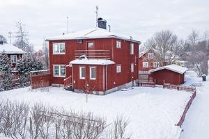 På nionde plats på Dalarnas Klicktoppen för vecka 5 hittar vi denna sexrumsvilla i Hosjö i Falu kommun som fick 4 931 klick på Hemnet under förra veckan. Foto: Mikael Tengnér/Länsförsäkringar Fastighetsförmedling