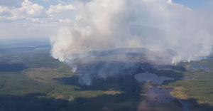 Skogsbranden nordväst om Fågelsjö i Härjedalen juli 2018, där de huvudsakliga markägarna Bergvik och Holmen avsatt många stora nyckelbiotoper för naturvården.Foto: Brandflygaren Emil Jonasson