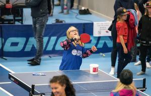 Idrottens dag blev, på nytt, en succé och många var de som besökte Skyttis på lördagen för att – bland mycket annat – testa på hur det är att spela bordtennis. Ett 20-tal föreningar och idrotter fanns representerade.