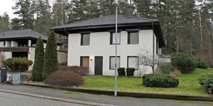 Vadarvägen 12 i Köping har bytt ägare för 3 000 000 kronor.