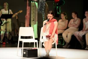 Alice Form sjung Carolas