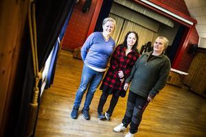 Annelie Rahmqvist, Hertha Gunvorsdotter Höglund och Lotta Larsson ingår i filmgruppen i Tännäs. I år hade de 1278 besökare under festivalhelgen.