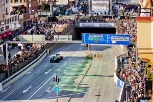 2014: Örebros första Race day då Marcus körde i Caterham. 10 000 besökare kom för att se hans uppvisning inne i stan.