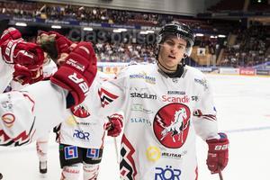 Rickard Palmberg efter ett mål mot Leksand. Foto: Daniel Eriksson / Bildbyrån