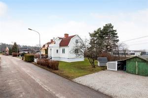 Foto: Susanne Hagman. Som trea på klicktoppen ligger en villa i Kumla.