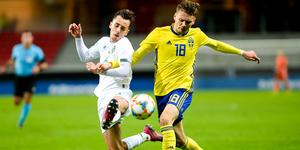 Jake Larsson har gjort två mål för det svenska U21-landslaget i matchen mot Luxemburg.