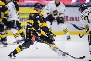 Det var inte första gången Anthon Eriksson täckte skott. Här i en match mot AIK. Foto: Jesper Zerman / BILDBYRÅN