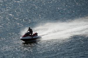 Foto: TT Nyhetsbyrån.De snabbaste vattenskotrarna kan komma upp i 60-70 knop.
