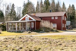 Foto: Tomas Arvidsson/ Bostadsfotograferna. Huset i Hagaby är tillbyggt.