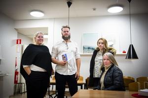 Linda Nilsson, Jon Björkebeck, Hanna Unander och Kaltrina Nuhiu, alla förälldrar till barn på Kyrkskolan och delaktiga i föräldrainitiativet.