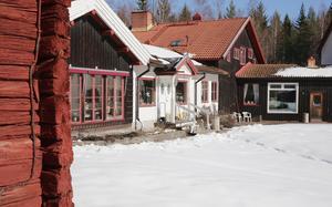 Efter ett par månaders vintervila har det anrika fäbodhotellet utanför Sunnansjö vaknat till liv igen.