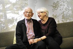 I oktober 2017 förlovade sig då 104-årige Sten Bolling med kärleken Solveig Arle. Den 30 oktober närmare bestämt – på Solveigs 72-årsdag. /Arkivfoto
