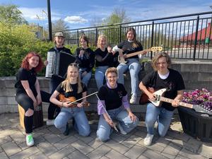 Under två veckors i sommar kommer elever från Värnamo Kulturskola spela gatumusik runt om i staden. Foto: Privat