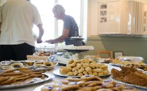 250 kakor av varje sort och kakborden var fyllda till brinken.