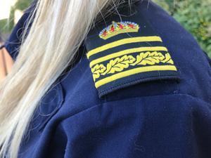 Polisen har fått in en anmälan om att två personer försökt bryta sig in på Kungsörs vattens anläggning på Fredsgatan i Kungsör.