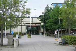 Två av de fällda studenterna på Mälardalens högskola stängs av i nio veckor vardera. Tre andra studenter döms till sex veckors och en till fyra veckors avstängning från studierna.