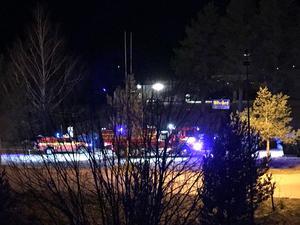 Brand i container i Kolsva. Foto: Läsarbild
