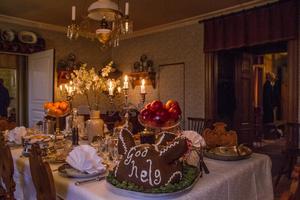 Julskinkan hade ännu inte gjort sitt inträde på julbordet vid förra sekelskiftet, men däremot serverades grishuvud.