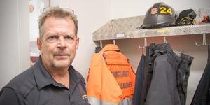 Efter fredagens arbetspass återstår en helgjour – sedan lägger Jens Eriksson hjälmen på hyllan för alltid.
