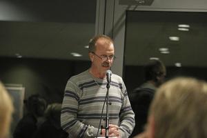 Per Eriksson (S), säger att de har lämnat in ett förslag till kandidater till olika poster. Dock inte till ordförande och vice ordförandeposten i kommunstyrelsen och de olika nämnderna eftersom S, V, MP och C inte har majoritet.