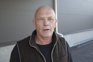 Fastighetsägaren Nicklas Andersson bedömer att åtgärderna i gymmets brand- och vattenskadade lokaler kommer att ta ytterligare tre månader.