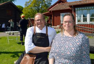 Syskonen Tony och Ellenor Persson driver Gammelgårdens kafé och kök sedan i mars i år.