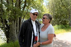 Rigmor Viklund tillsammans med make.