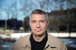 Kommunalrådet Lars Isacsson (S) menar att man måste anpassa räddningstjänsten efter behoven.