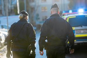Poliser larmar nu om att man går på knäna till följd av den höga arbetsbelastningen.
