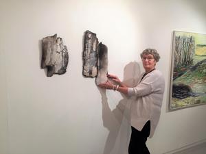 Lisbeth Grando visar sitt verk