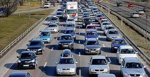Storhelger betyder ofta stora problem i trafiken.