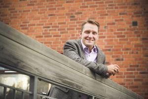 Mikael Sundman axlar Maria Kjellströms roll i årets val och kliver fram som första namnet på Västjämtlands väls lista. Han sikar på att partiet ska ta tio mandat i valet.