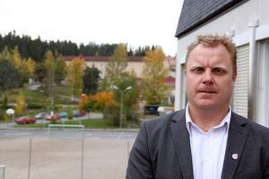 Mats Wallin (S) får efter samarbetet med V kliva av ordförandeposten.